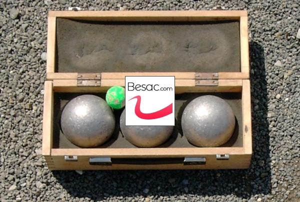 actualit pontarlier vesoul un rassemblement pour ceux qui aiment jouer avec leurs boules. Black Bedroom Furniture Sets. Home Design Ideas